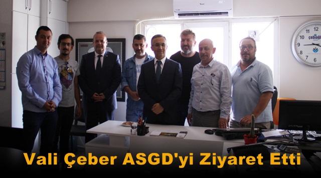 Vali Çeber Gazetecilerin Bayramlarını Kutladı