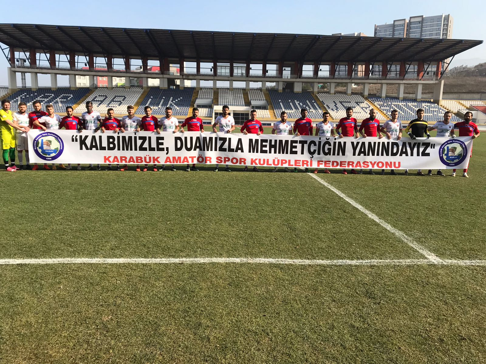 ASKF Spor Sahalarında Pankartlar İle Mehmetçiğe Destek Verdi..