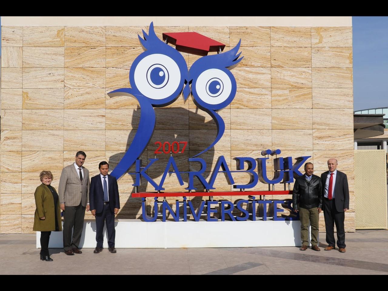 Daffodil Uluslararası Üniversitesi Mütevelli Heyeti Başkanı Rektör Polat'ı ziyaret etti