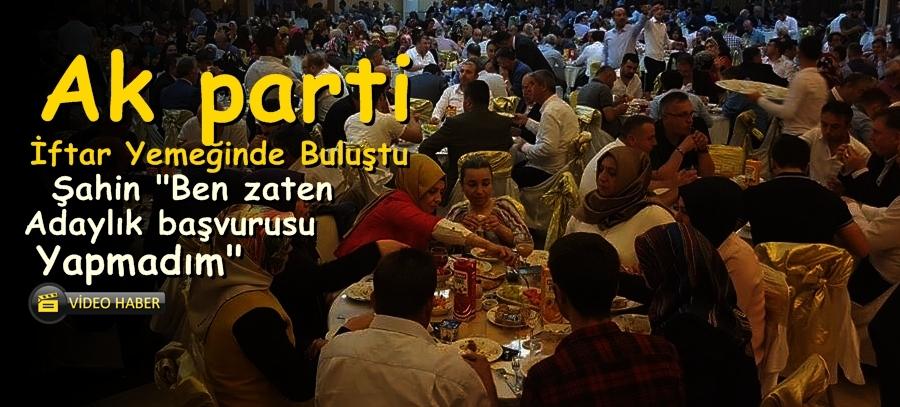 AK parti İl Başkanlığı İftar Verdi..