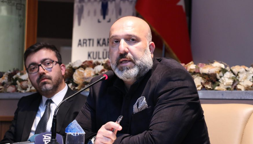 Sultan 2. Abdülhamid'in torunu konferans verdi