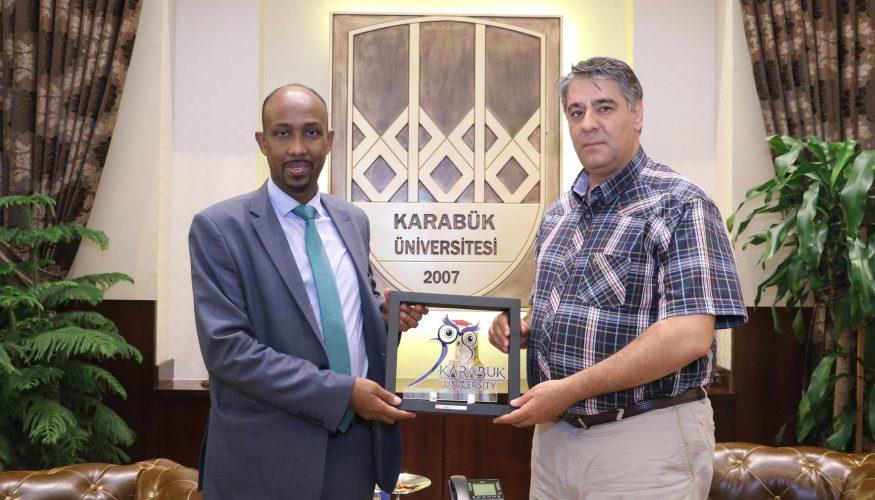 Somali Eski Bayındırlık ve İskan Bakanı'ndan Rektör Polat'a ziyaret