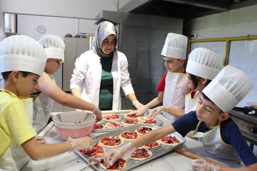 SAKEM'de Minik Aşçılar İş Başında