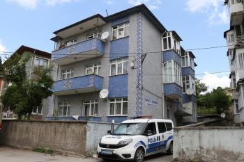 Korona virüs görülen apartman karantinaya alındı