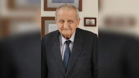 Fethi Toker hayatını kaybetti