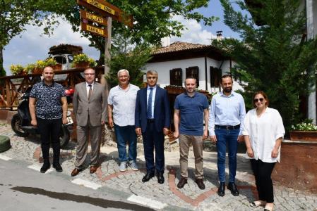 Vali Fuat Gürel, Safranbolu Turizm İşletmecileri Derneği Üyeleri İle Bir Araya Geldi.