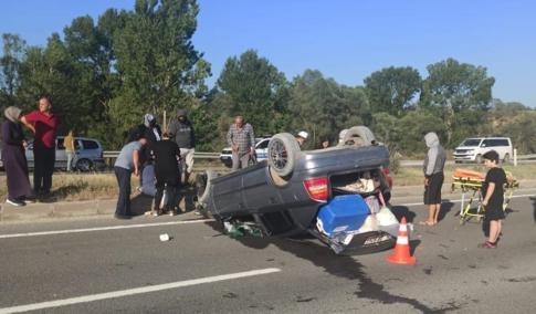 Kontrolden çıkan otomobil takla attı sonuç; 5 kişi  yaralı